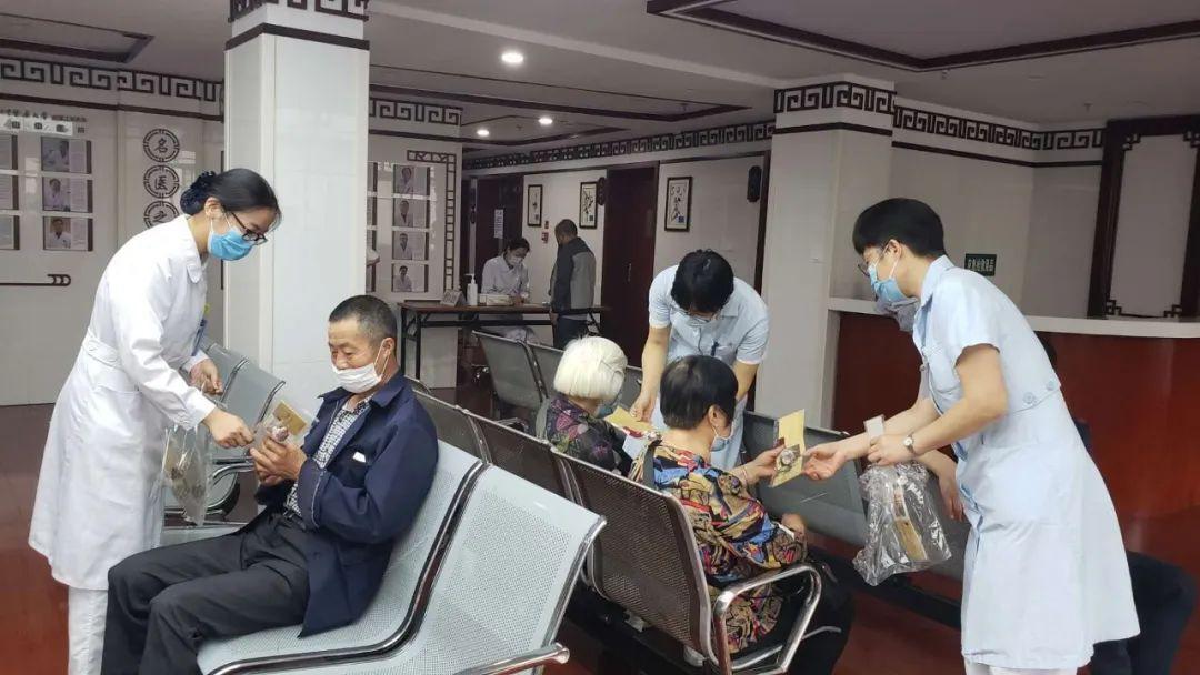 中医护理治疗免费体验活动迎来众多「 粉丝」