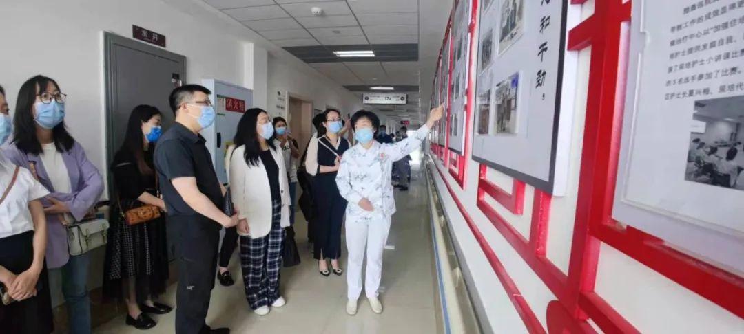 璧山区人民医院组团赴重庆大学附属肿瘤医院参观学习