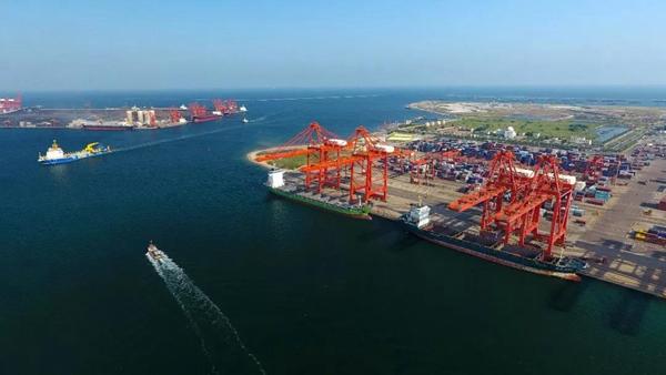 唐山港25万吨级航道疏浚工程