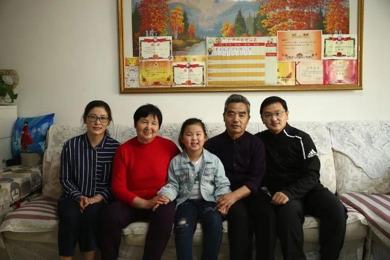 赞!滨医附院李洪波家庭上榜 2020 年全国抗疫「 最美家庭」