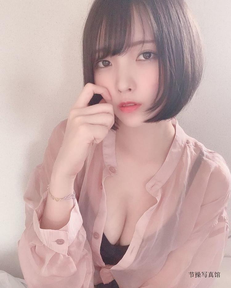 中峰みあ(Mia Nakamine)个人资料,衣服下拉诱惑胸型图片