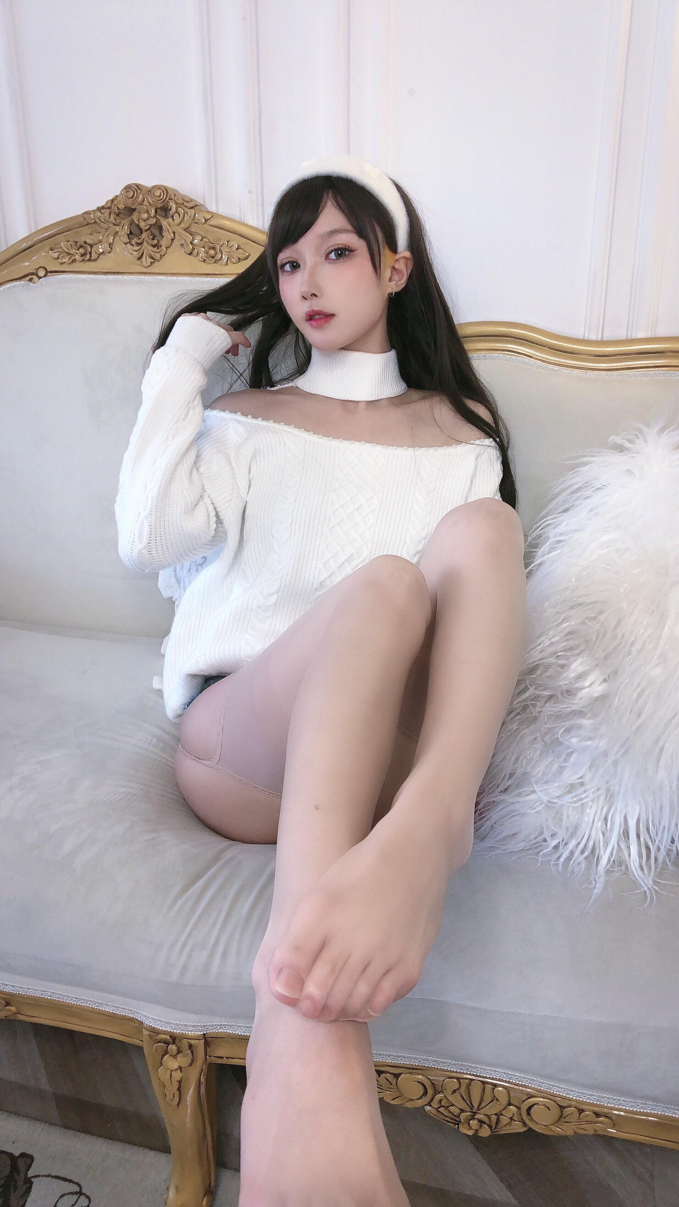 阿包也是兔娘 纯欲女友私房写真美图鉴赏-觅爱图