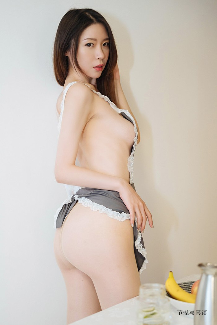 国模@梦心月Candice神之美尻,丁字裤健身画面超惹火