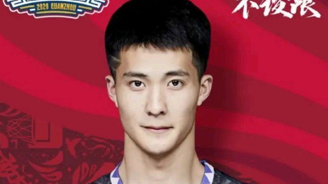 新秀朱松玮轮休,得到主教练认可的他已经在CBA站稳脚跟!