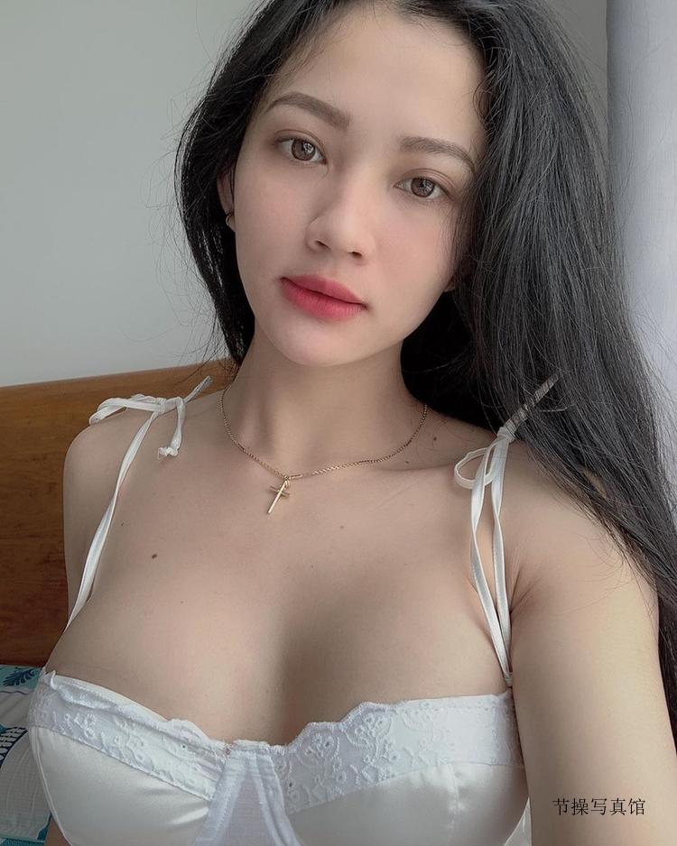 越南健身网红Hoang Ha傲人上围搭配浑圆美臀也太诱人