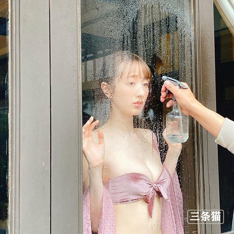 气质主播早川赖里奈(团遥香)转型拍写真,比基尼上阵大晒性感美体