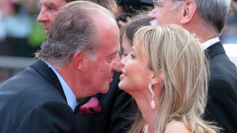 2006年,卡洛斯国王和赛恩-维特根施泰因在巴塞罗那参加一次颁奖仪式