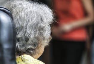 阿尔茨海默症:美国批准近20年来首款新药,过去10年超过100种疗法失败