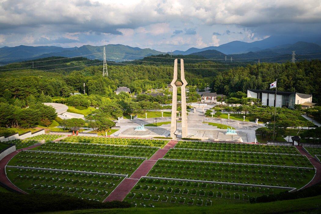 光州的国家公墓。1980年起义是韩国民主抗争的里程碑事件。
