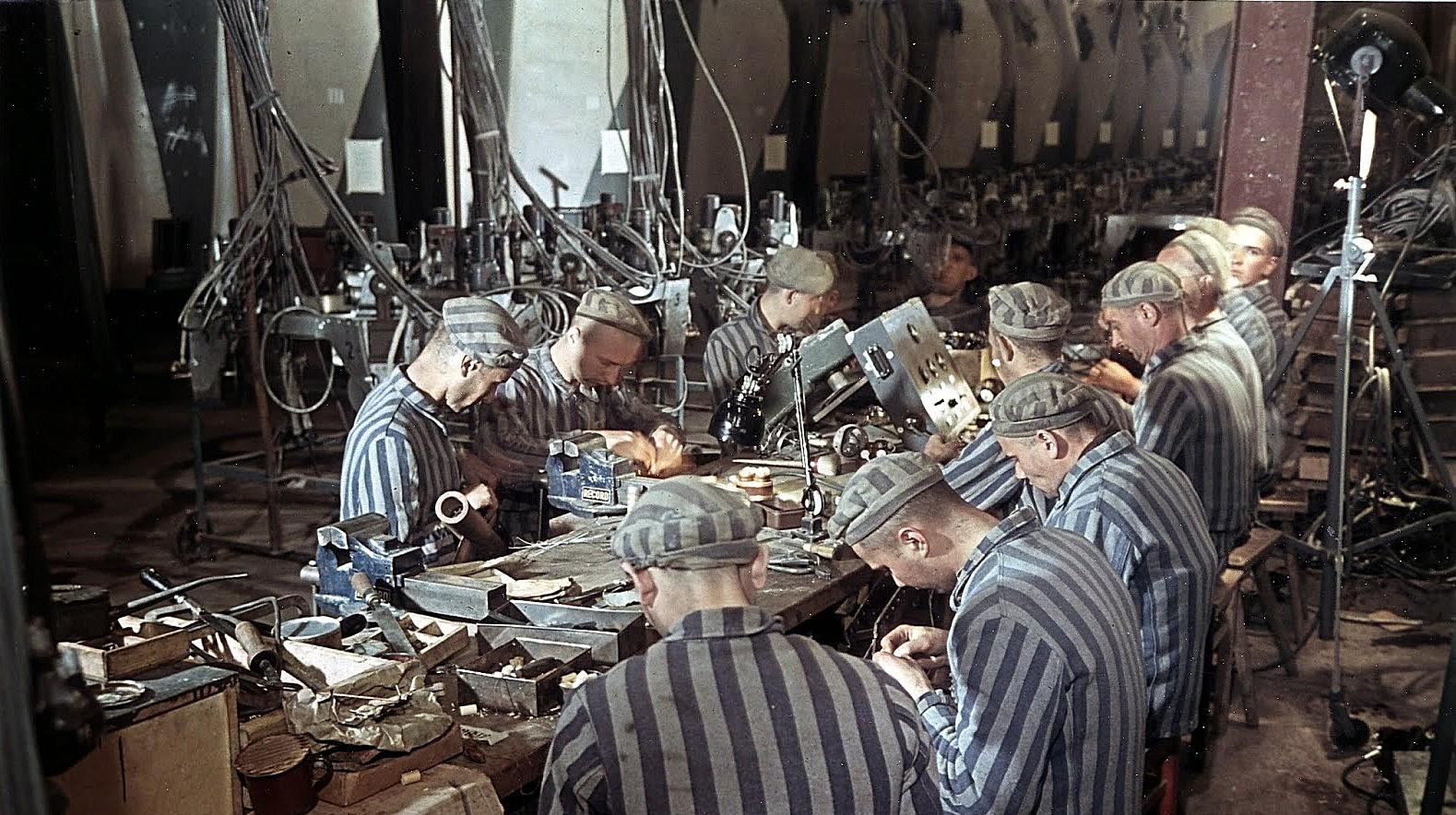 深山里的囚徒,二战彩色照片中被迫为德军生产导弹的囚犯