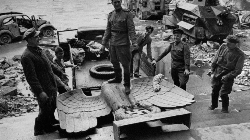 沦为胜利者的拍照景点,二战结束后的德国帝国总理府
