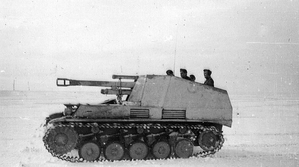 一组二战老照片,准备战斗的德军黄蜂自行榴弹炮