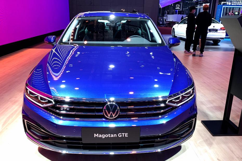 操控省油两不误,迈腾GTE实力不俗,它和燃油车谁更值得选择