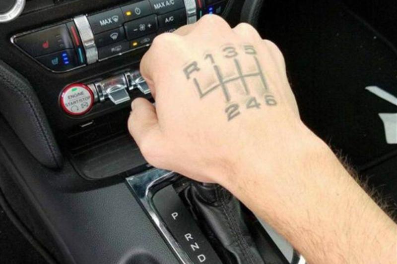 手动挡汽车已经穷途末路?虽有一个优点,但车主们并不想提!