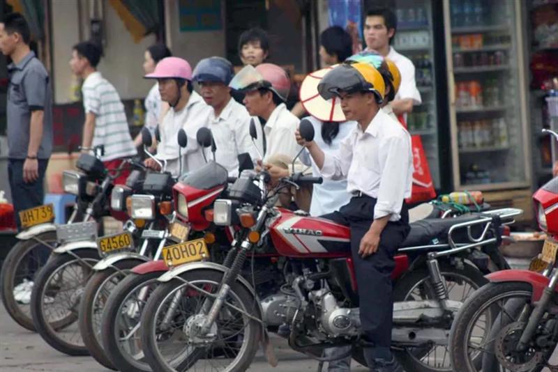 废旧摩托车当废铁卖掉,不办理报废手续有什么后果?交警:别胡来