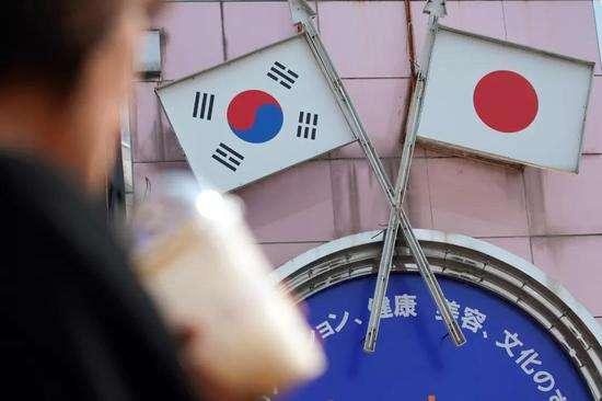 日本经济遭遇65年最大跌幅!安倍也没办法,中国需做好准备……