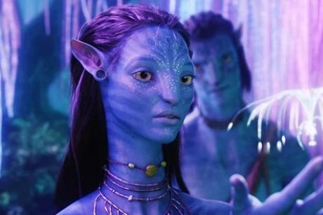 在谈什么?漫威导演到访《阿凡达2》片场,与詹姆斯·卡梅隆合照