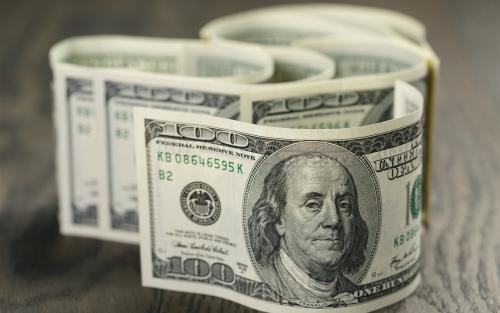 伊朗被美元限制后,用人民替代美元!美国1个月不到,放水13万亿