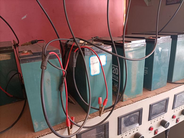 电瓶修复——电池的'联'系。你觉得够清晰吗?