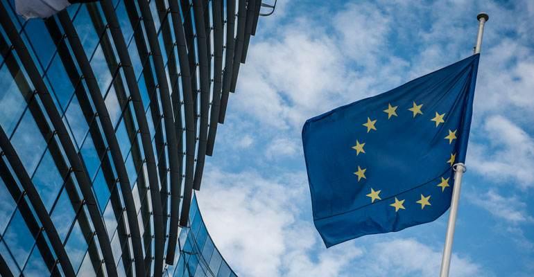 欧盟宣布新政策,不要美国人!白宫担心的事发生……