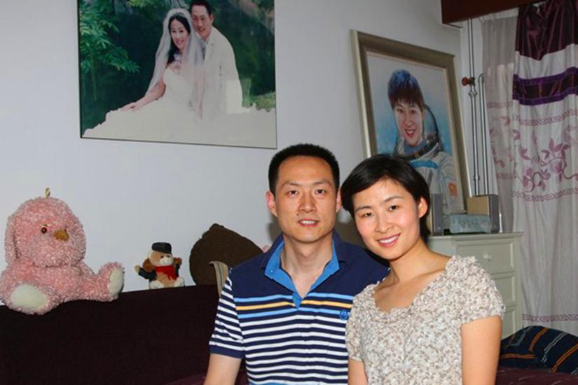 揭秘中国首位空间站女航天员飞行1600小时?结婚15年丈夫照片曝光