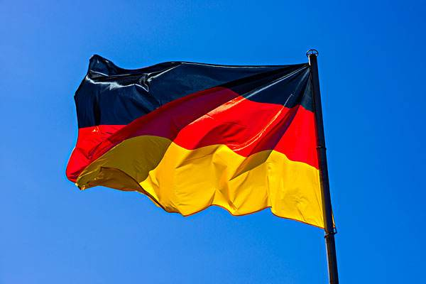 """德国还是低头?德美关系从""""很难回到过去""""到""""重修旧好""""……"""