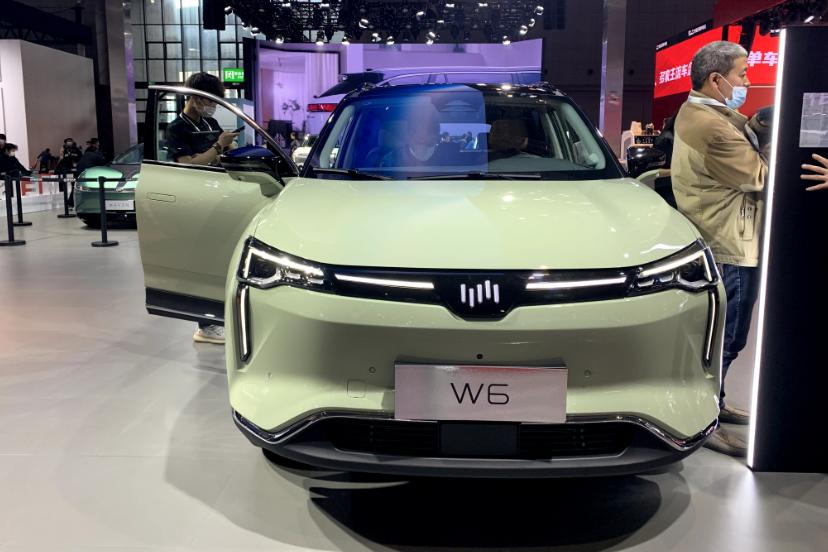 可实现自动泊车的威马W6,貌似平平无奇,实际表现如何