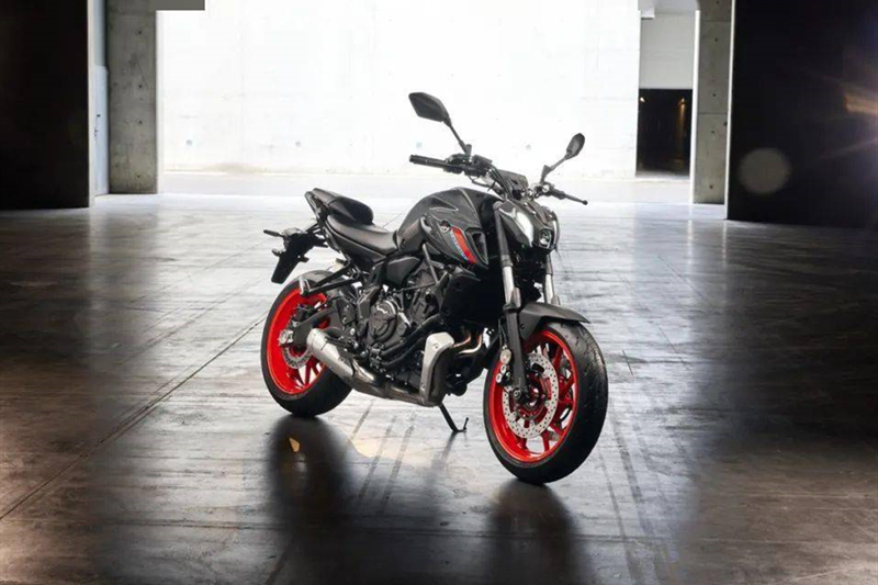 摩托车的排量和重量都有先天优势,为什么在省油方面赢不了汽车?