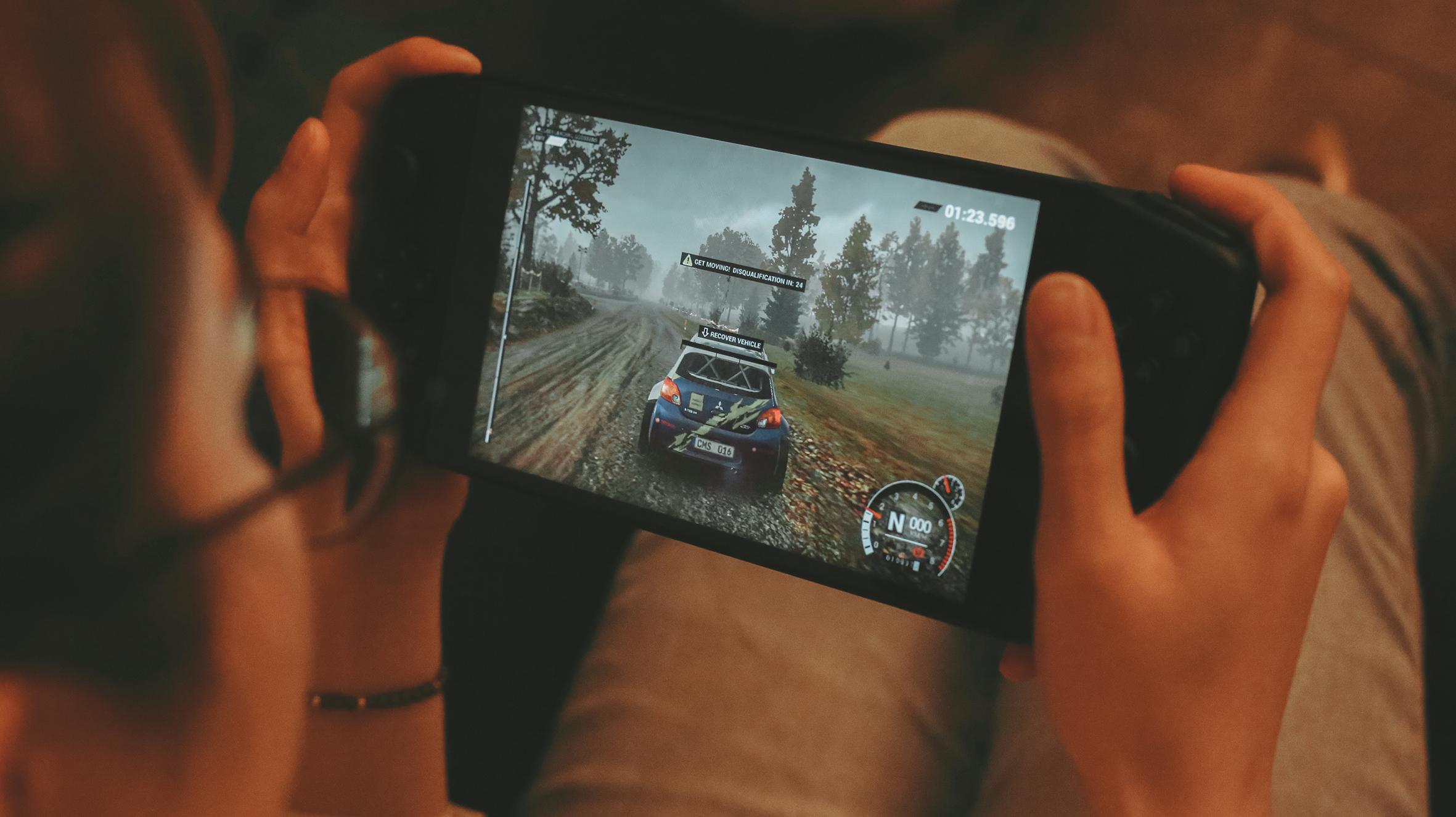 Win10掌机 带AMD的性能怪兽 AYA NEO游戏掌机测评体验分享