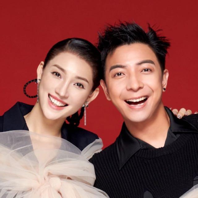 #广东夫妇#一起十多年了,还是会每天互相逗乐逗笑,像两个小孩子一样。在爱情里的人果然长不大❤