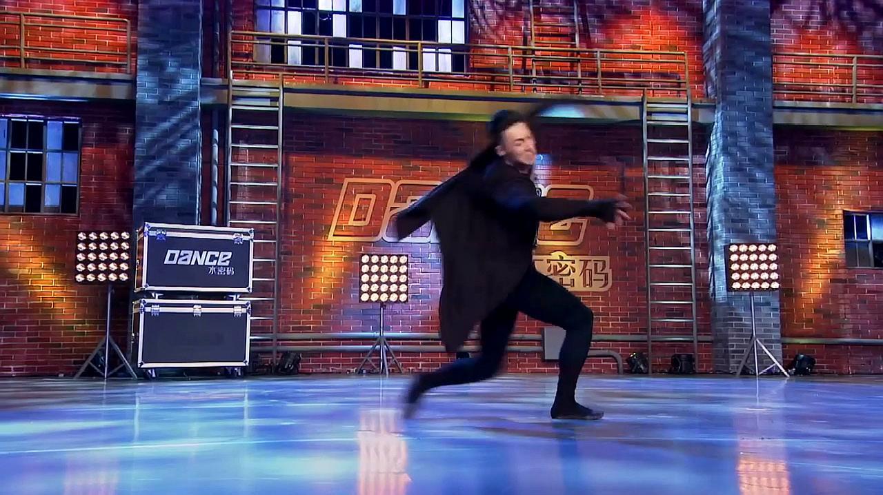 中国好舞蹈:内蒙小伙上好舞蹈,跳优美蒙古舞,赢观众掌声