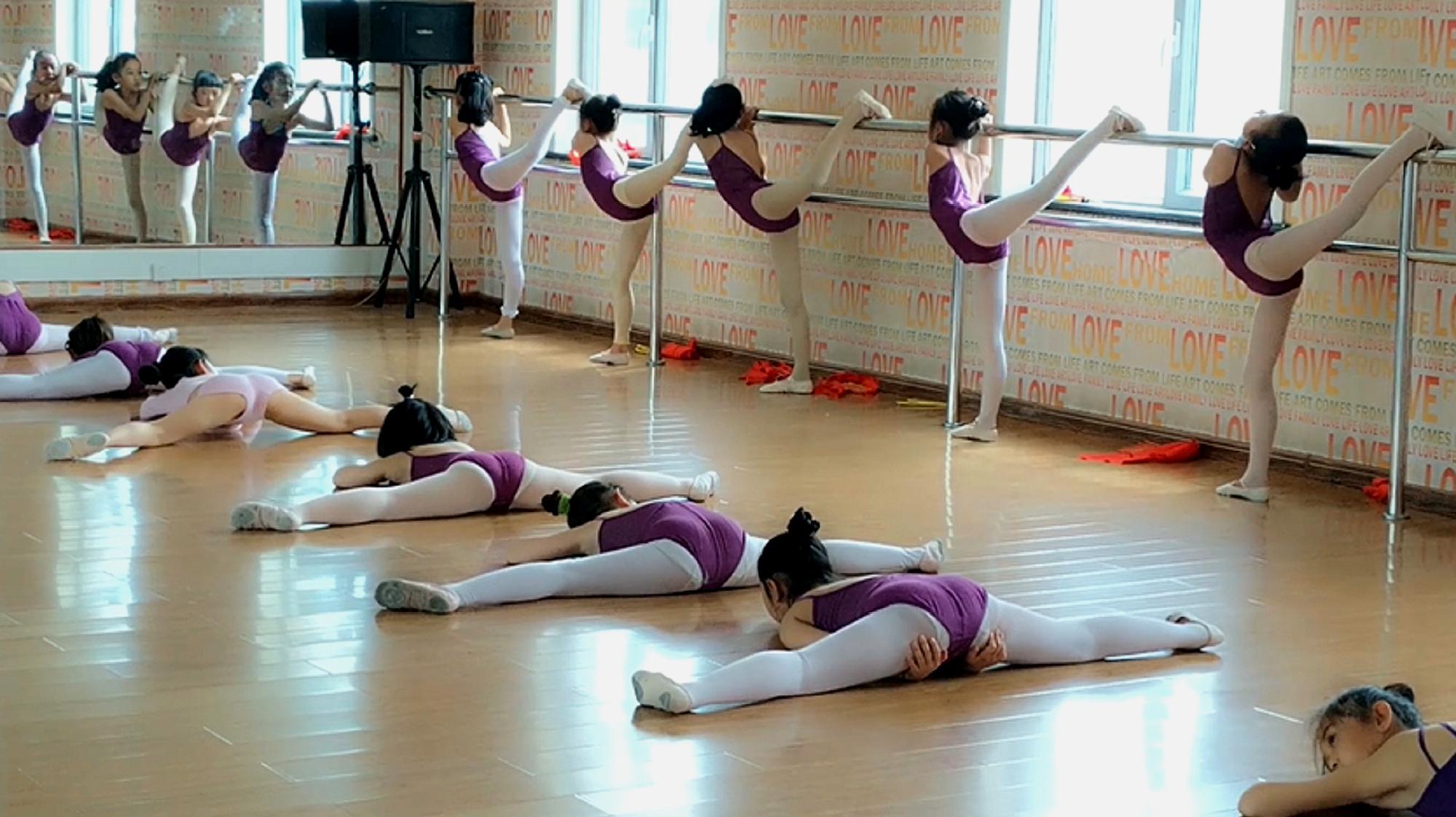 练舞蹈基本功,不在于你掌握了多少技巧,而在于你收获了多少东西
