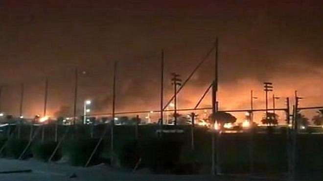 无人机深夜轰炸,沙特最大油企一片火海,未来还会有更大的行动