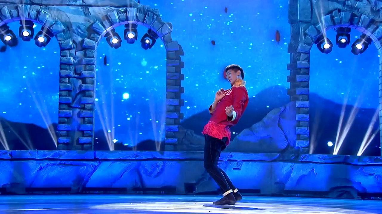 中国好舞蹈:金星团队学员藏族小伙,精彩舞蹈表演,黄豆豆称很好