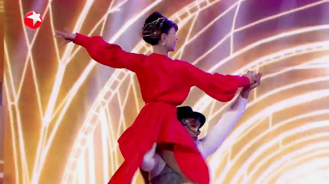 中国达人秀:78岁老奶奶达人秀,表演精彩舞蹈,蔡国庆称她火了