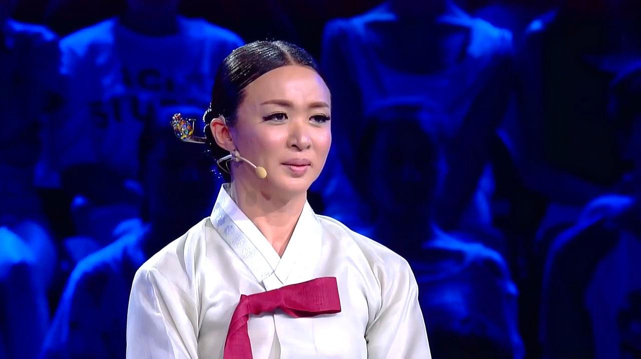 中国好舞蹈:金星团队学员上好舞蹈,表演现代舞初恋,引金星鼓掌