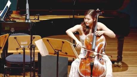 韩国大提琴手提琴夫人演奏圣桑《天鹅》(The Swan)