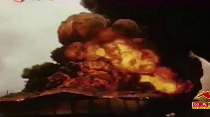 中途岛海战,美军击沉日本四艘航母,日本飞机无处降落纷纷坠海