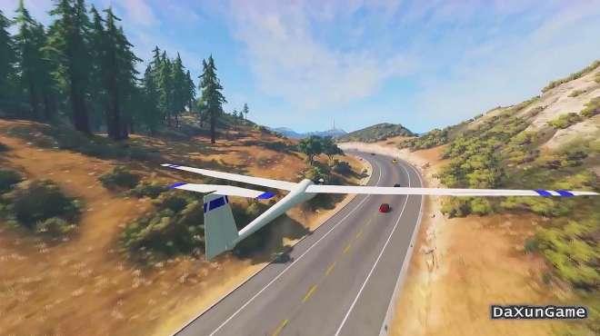 车祸模拟器:无人机发生故障,坠落在公路上