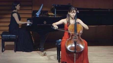 韩国大提琴女神现场演奏《流浪者之歌》论大提琴演奏者的手有多快