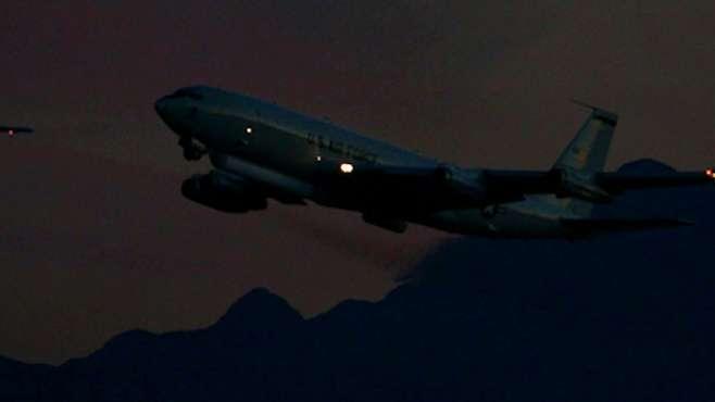港媒披露美军机抵近侦察细节:疑伪装成客机,飞近广州时才被确认