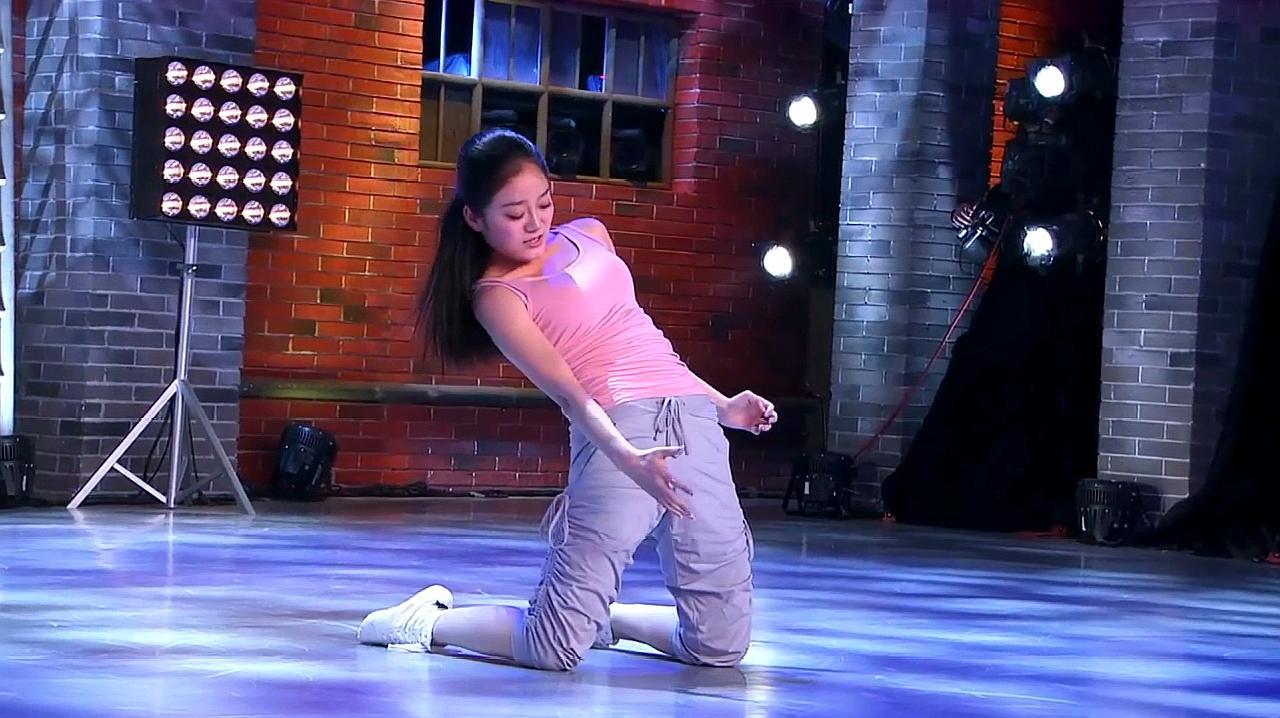 中国好舞蹈:女孩伤后两年重返舞台,上好舞蹈表演,引金星拍手