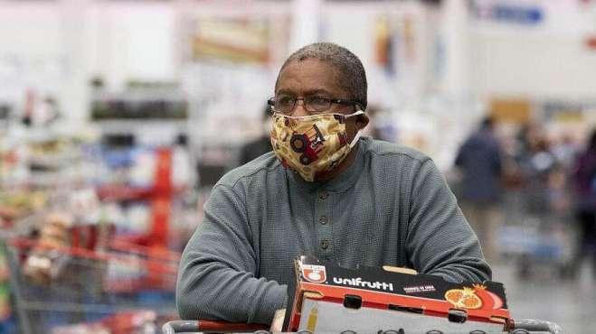 最担心的事发生了,美国抗议者自称感染病毒,全程未戴口罩