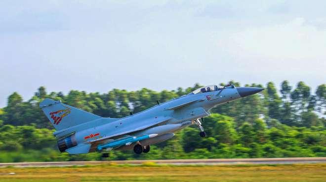 时隔仅两天,解放军歼-10战斗机再进台湾西南空域