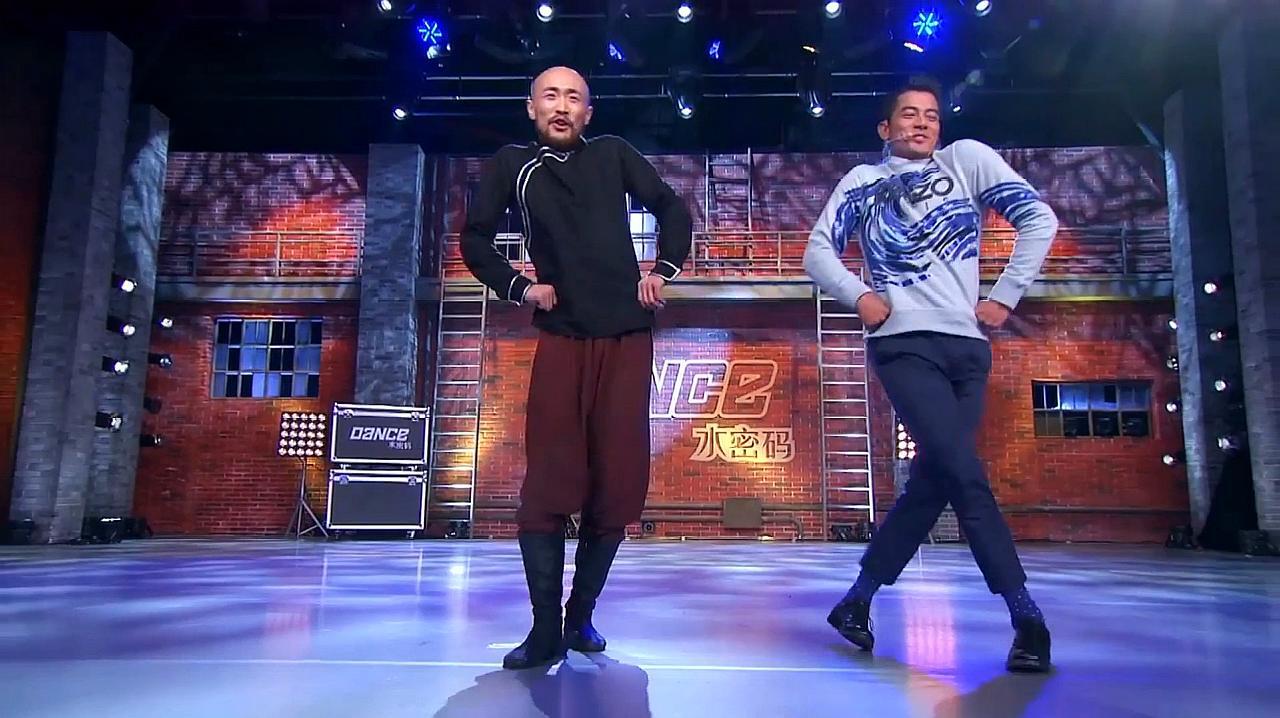 中国好舞蹈:郭富城与内蒙大叔,即兴表演蒙古舞,引爆全场