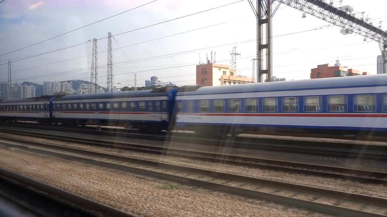 从深圳罗湖火车站坐动车去广州看看车上看到的一线大深圳是啥样子