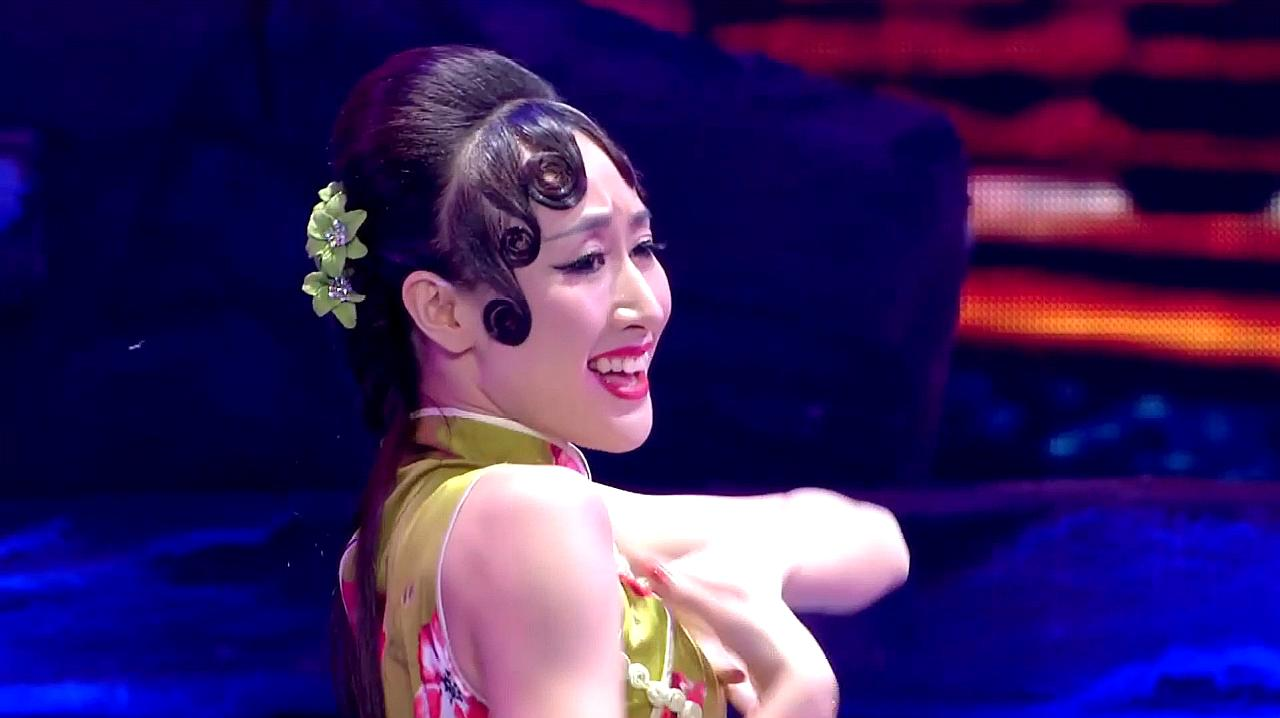 中国好舞蹈:2女孩上好舞蹈,跳双人舞夜上海,惊艳全场