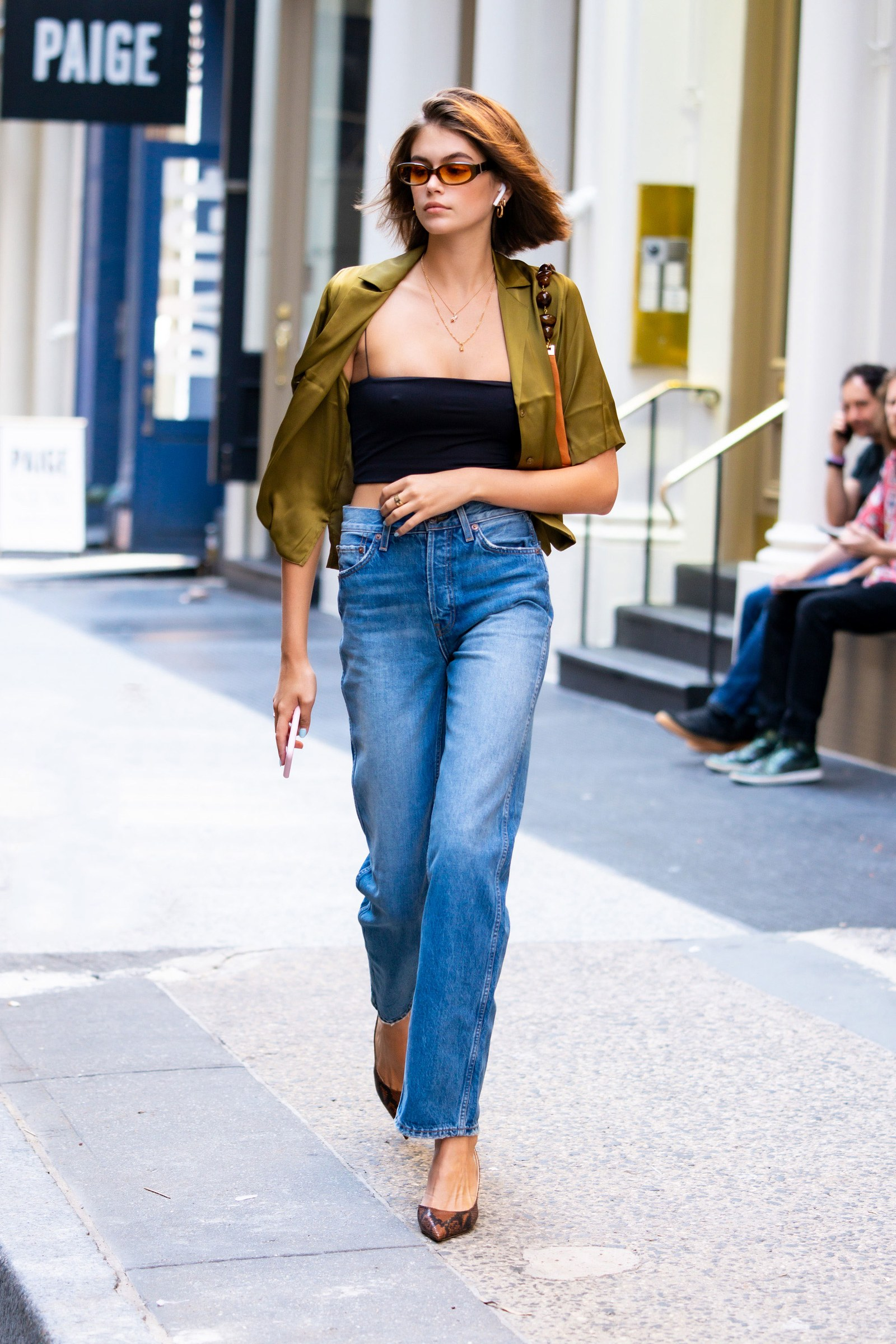 凯雅·杰柏18岁了 街头时尚瞬间闪亮登场