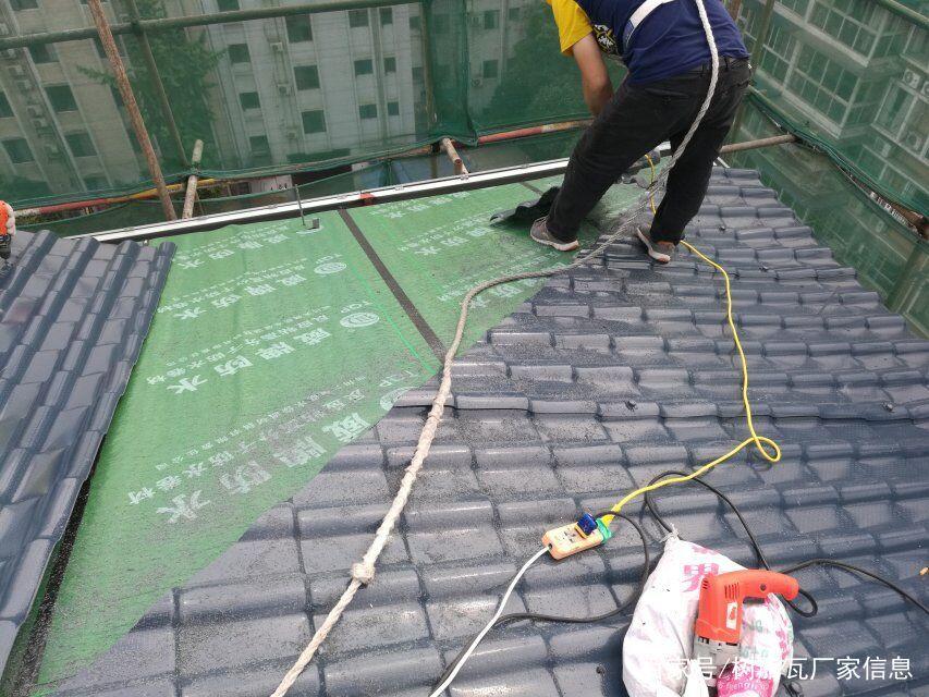 合成亚博娱乐平台屋面施工怎么做?「正规彩色安装图解」亚博娱乐平台亚博娱乐平台