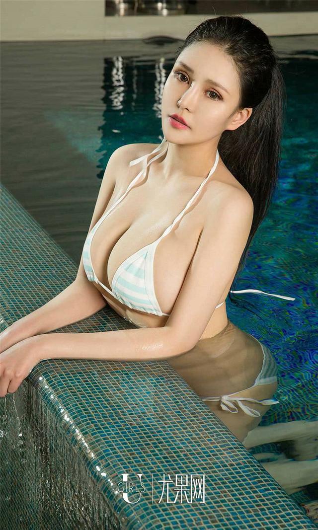 [尤果网] 湿身比基尼美女Lily丰满爆乳写真 第855期